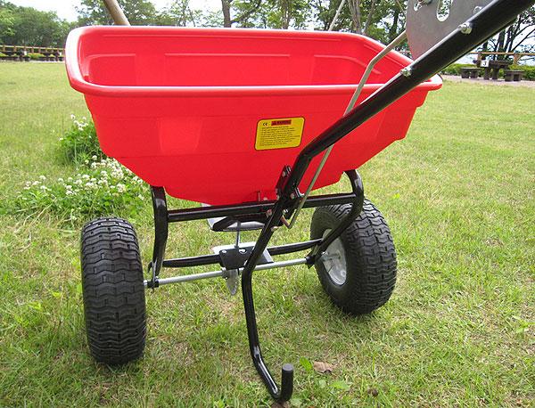 大型肥料散布機 dbc-60 詳細写真